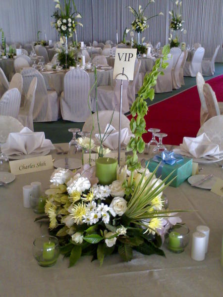 Wedding flower arrangements in the philippines wedding table flower design arrangement junglespirit Choice Image